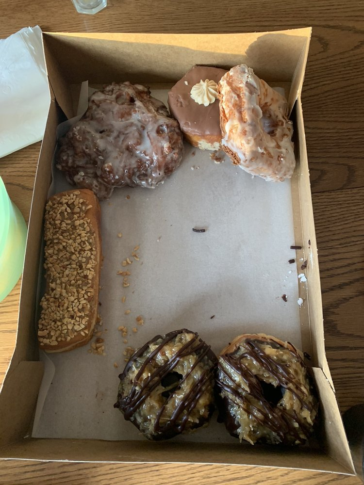 Sandy's Donuts and Coffee: 4215 45th St S, Fargo, ND