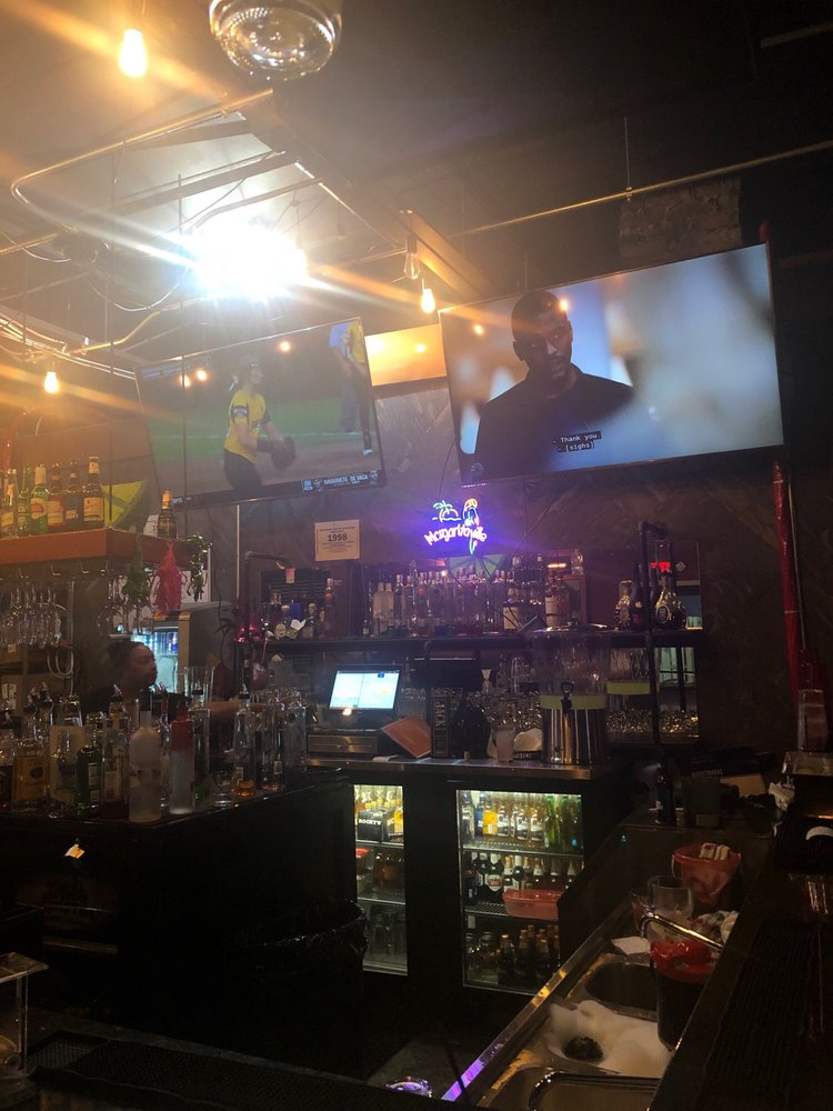 Woodward Ave bar and grill: 12000 Woodward Ave, Highland Park, MI