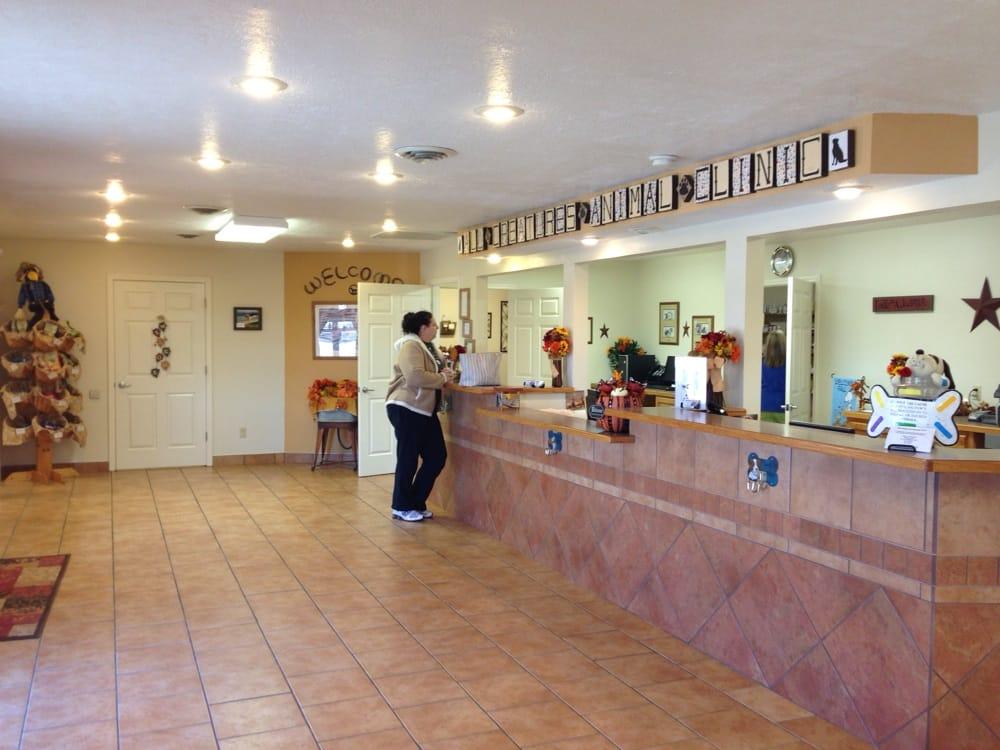 All Creatures Animal Clinic: 1661 E Mt Gilead Rd, Bolivar, MO