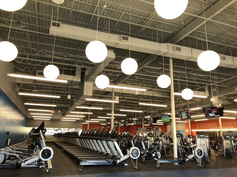Blink Fitness: 11145 Westheimer Rd, Houston, TX