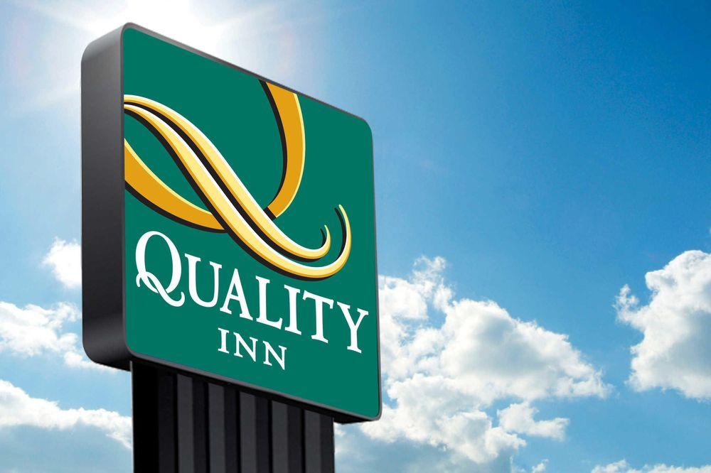 Quality Inn: 567 E State Route 38, Rochelle, IL