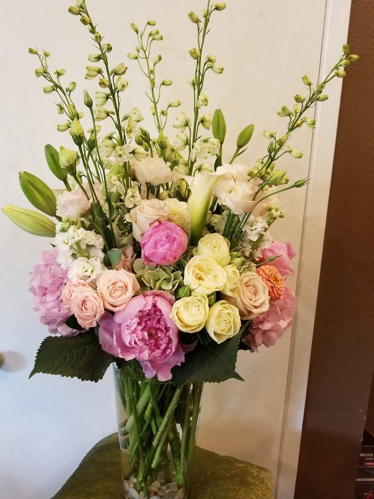 Acorn Floral