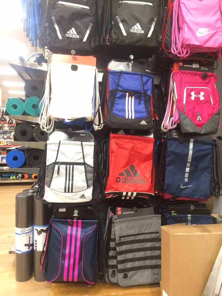 Modell's Sporting Goods: 785 Flushing Ave, Brooklyn, NY