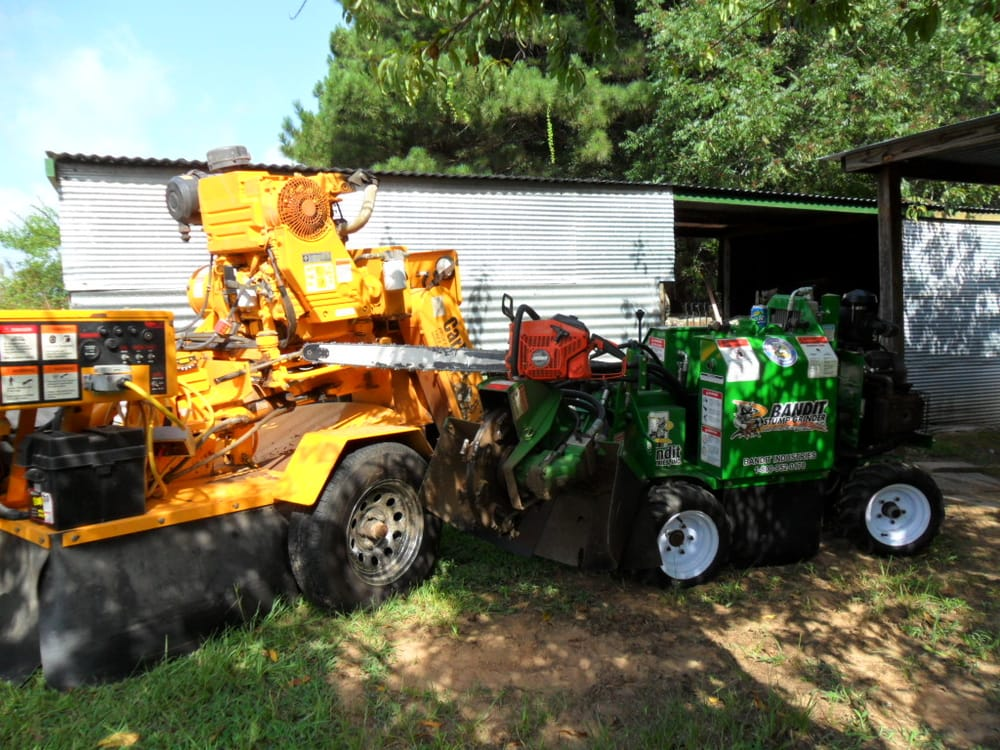 Jimmys stump grinding service: 1103 Kelly Rd, Texarkana, TX