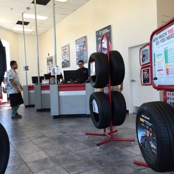 America S Tire 19 Photos 70 Reviews Tires 1226 S Broadway