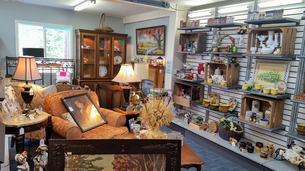 Trixie's Home Goods: 419 Hurst Ln, Schuylkill Haven, PA