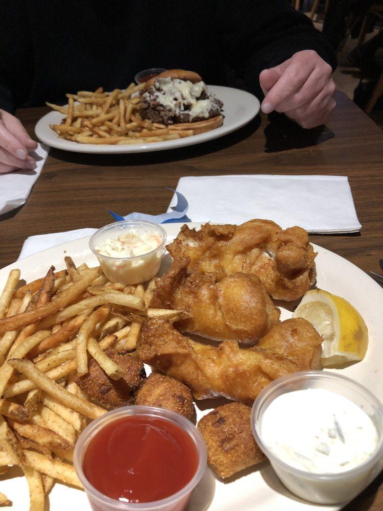 Chrissy's Gaming Bar & Grill: 552 N Gary Ave, Carol Stream, IL