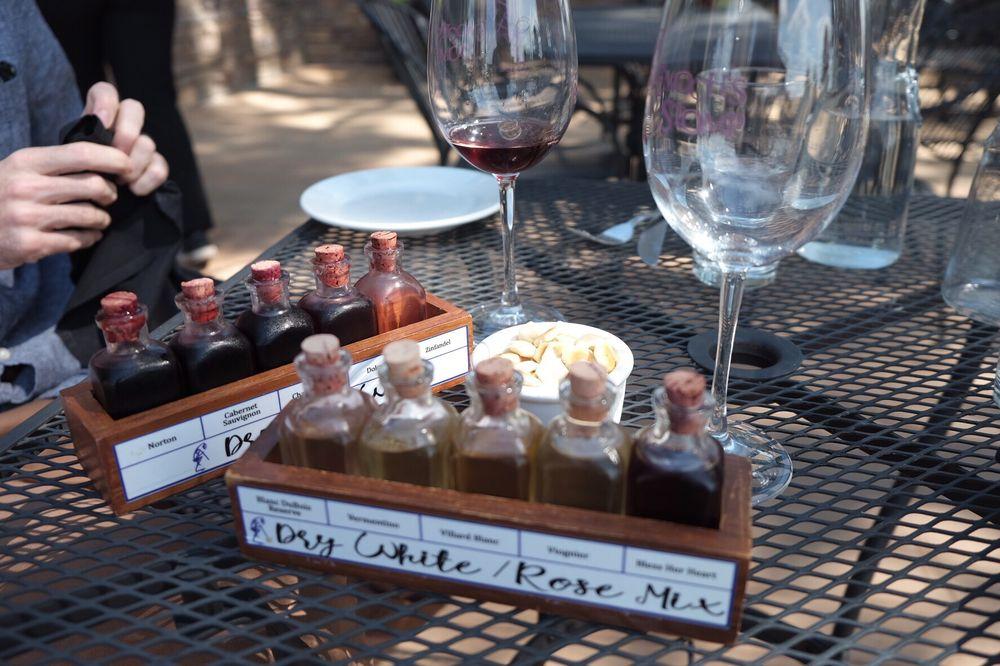 Social Spots from Enoch's Stomp Vineyard & Winery
