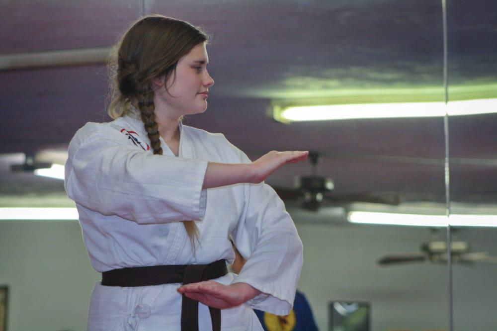 Zen Martial Arts: 207 N Wells St, Edna, TX