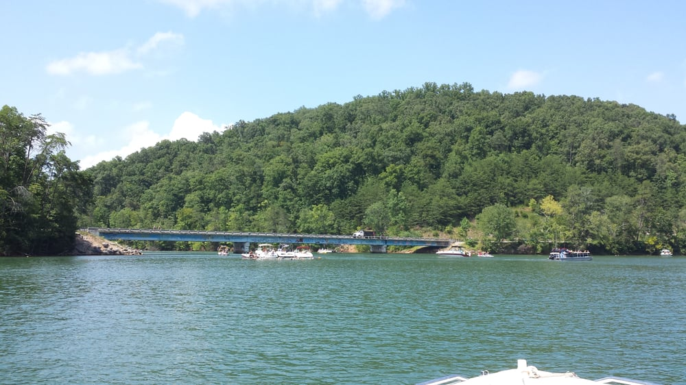 Cedar Creek Bridge: Cedar Creek Rd, La Follette, TN