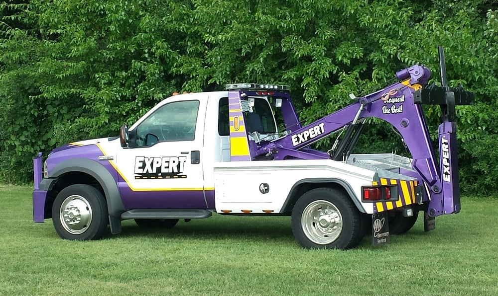 Expert Towing & Recovery: 290 W Broadway, Berlin, WI