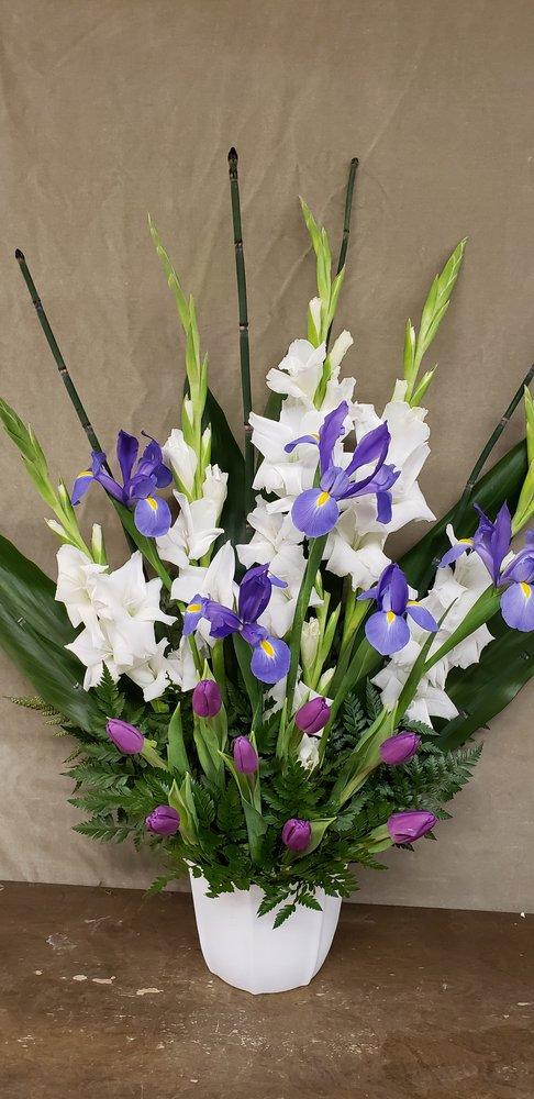 Flowers by Gillian: 3801 Arkansas Ave, Los Alamos, NM