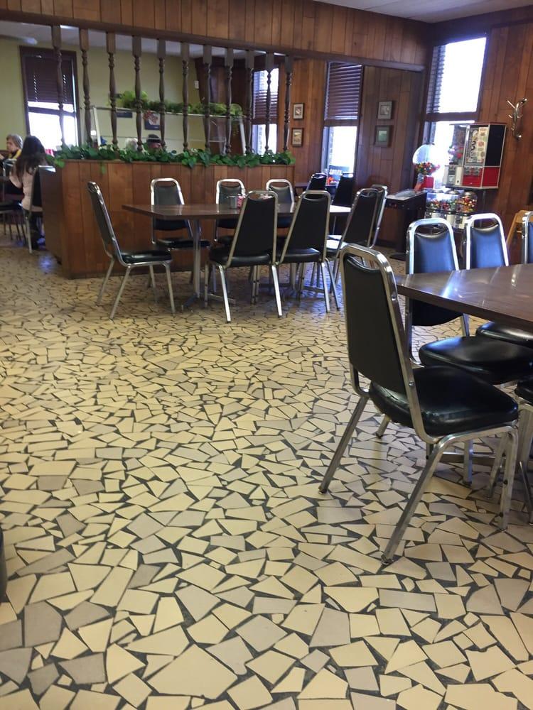 Market Cafe: 2312 Hwy 367 N, Bald Knob, AR