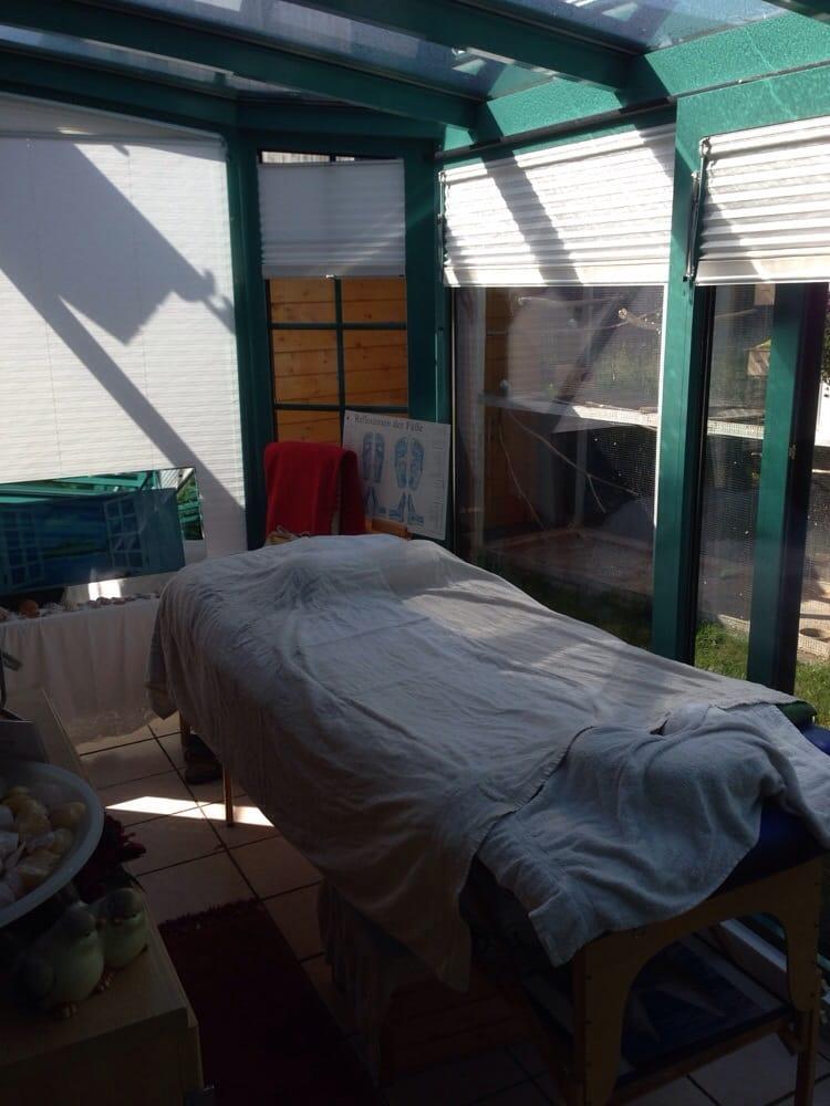 die massageliege im wintergarten yelp. Black Bedroom Furniture Sets. Home Design Ideas