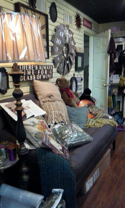 Main Street Gifts: 68 W Main St, Babylon, NY