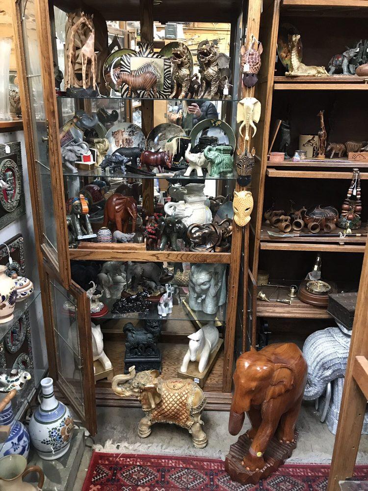 Dan'l Boone's Trading Post: 470 Redwood Hwy, Grants Pass, OR
