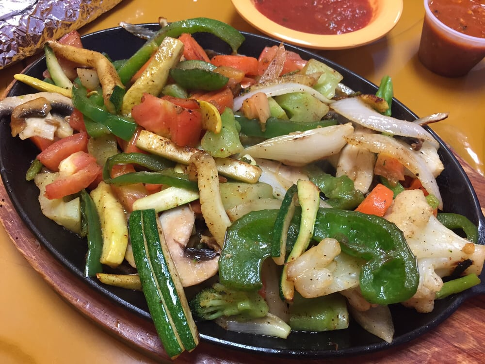 La Cocina Mexican Restaurant: 928 N Lincoln Ave, York, NE