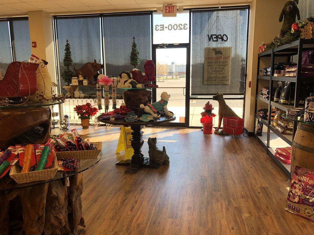 TailWaggers Salon and Boutique: 3200 Mallett Rd, Diberville, MS