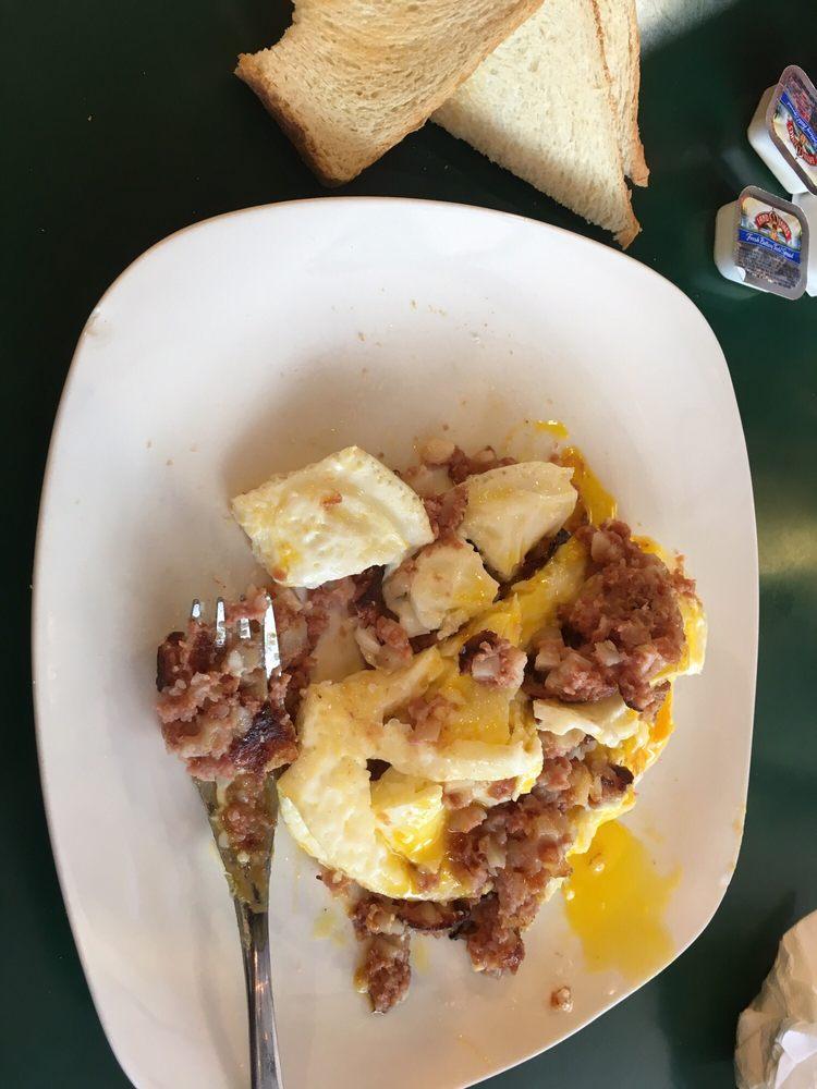 Dan's I 30 Diner: 17018 Interstate 30 N, Benton, AR