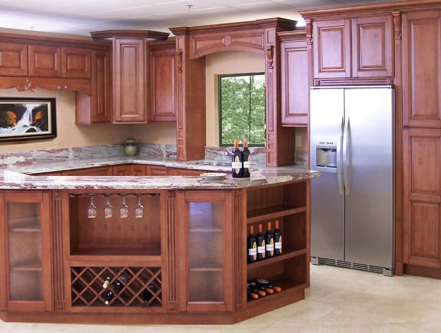 Maple Coffee Kitchen Cabinets. Traditional!