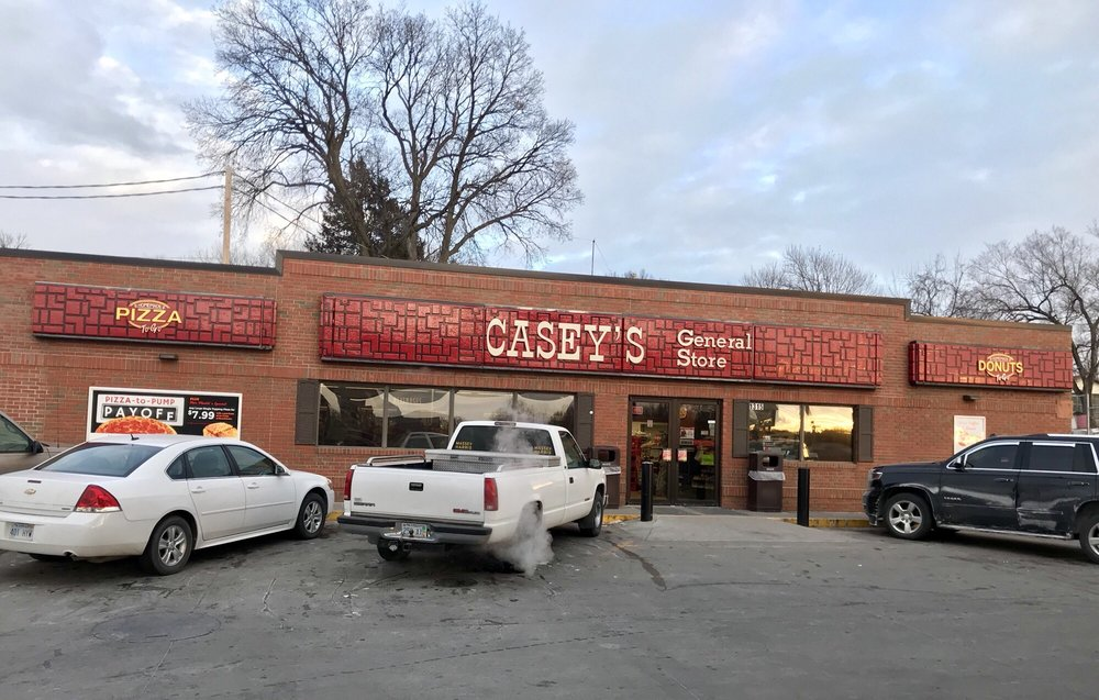 Casey's General Store: 1315 Lincoln St, Concordia, KS