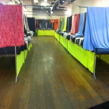 stoffenmarkt - kledingreparatie - zuidplein hoog 480, rotterdam
