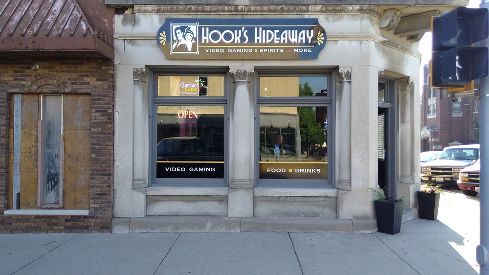 Hook's Hideaway - Video Gaming & Spirits: 424 Liberty St, Morris, IL