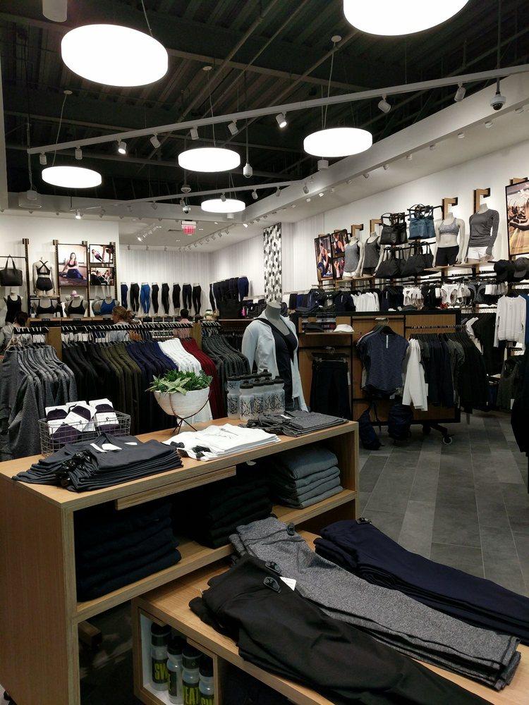 Lululemon: 1065 Brea Mall, Brea, CA