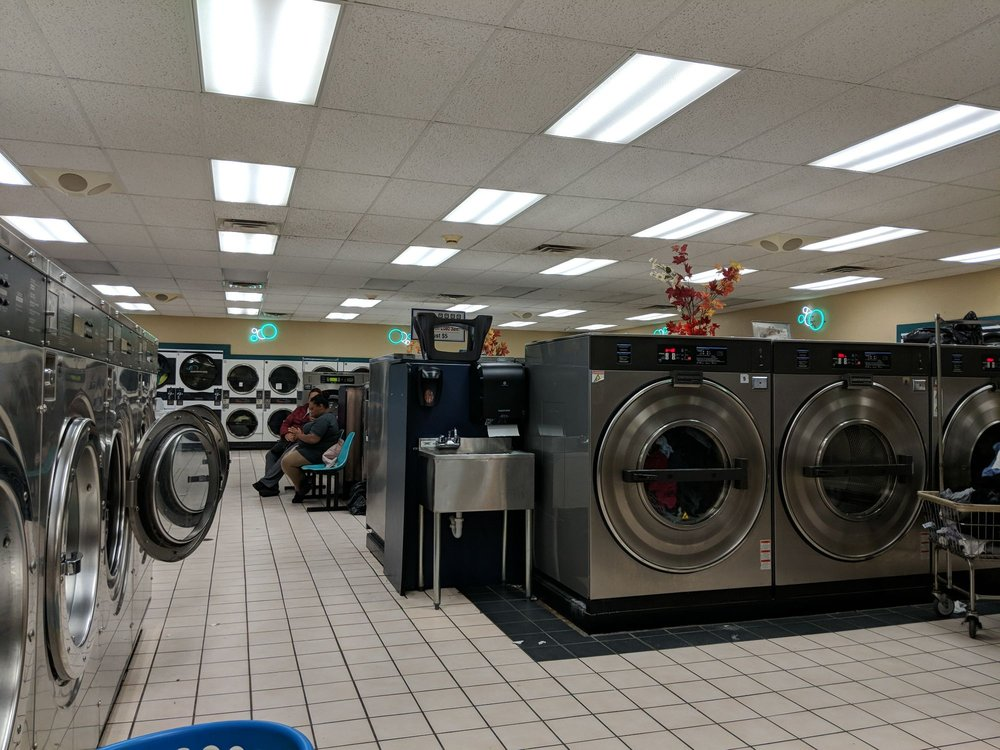 Sun Laundry Super Coin Laundromat: 5595 N Lovers Lane Rd, Milwaukee, WI