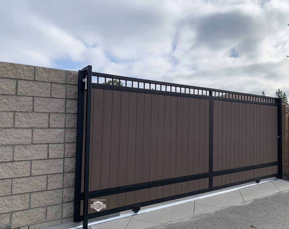Straight Gate Fence