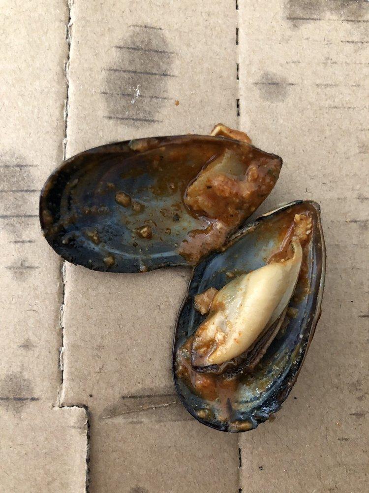 Louisiana Shabang Seafood: 14466 Main St, Hesperia, CA