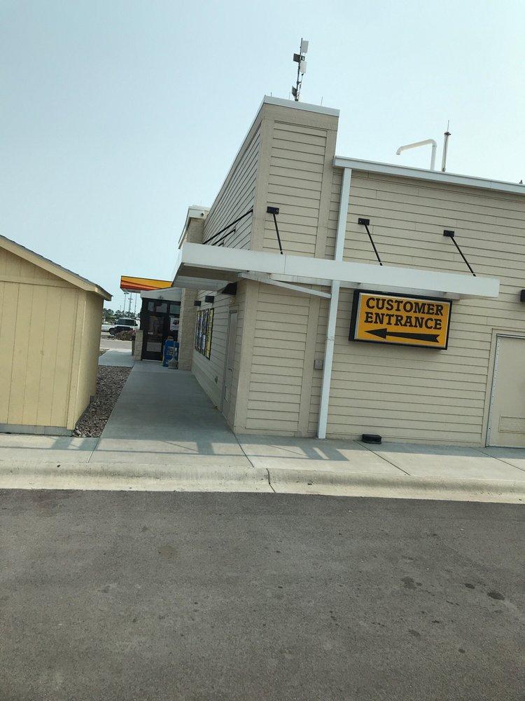 Love's Travel Stop: 3301 N Blue Comet Dr, Chanute, KS