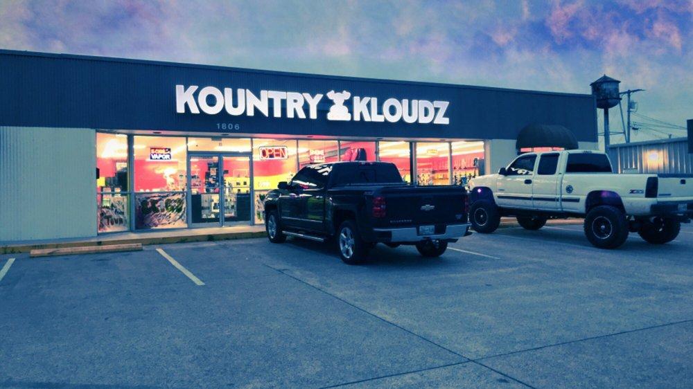 Kountry Kloudz Smoke Shop: 1806 Carmack Blvd, Columbia, TN