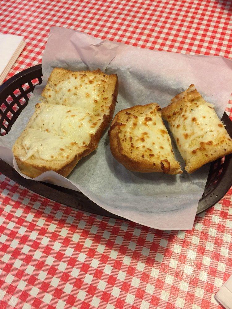 Vinatellis Italian Cafe: 615 Annette Dr, Markle, IN