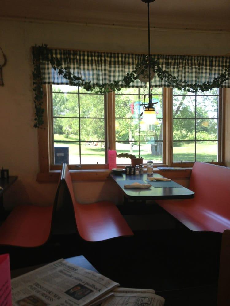 Candy's Merrimac Cafe: 115 Austin Dr, Merrimac, WI