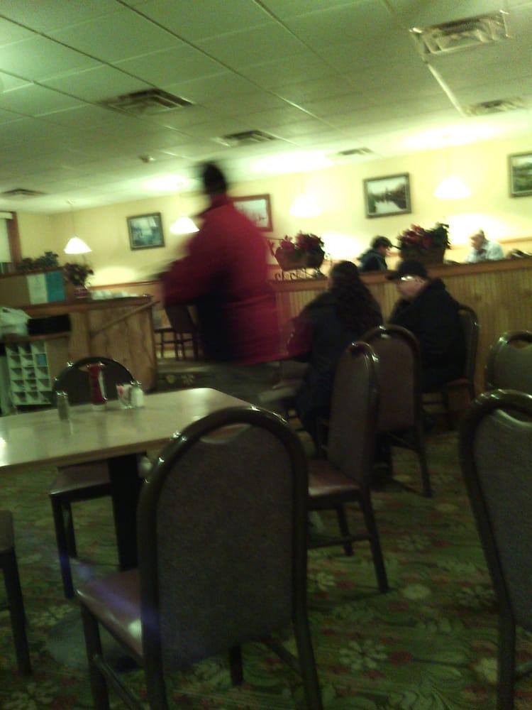 Countryside Family Restaurant: 17 Clifton Plz, Clifton Springs, NY