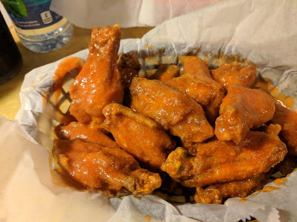 Flyers Wings & Grill