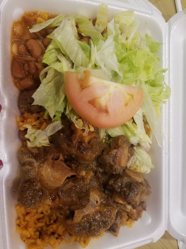 Cibao Kitchen: 310 Daniel Webster Hwy, Nashua, NH