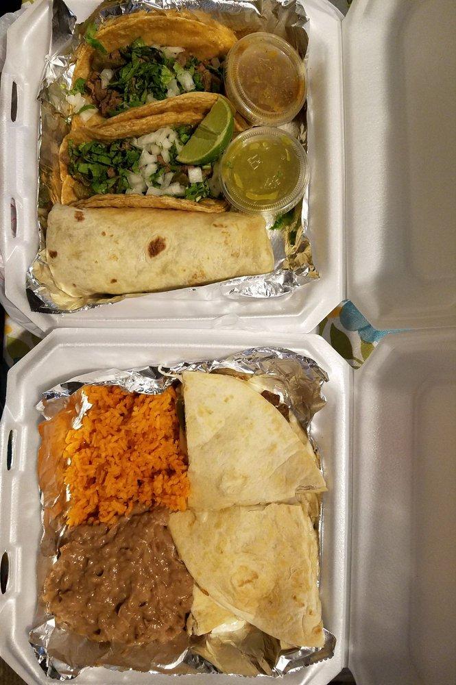 Taqueria Los Hermanos: 322 S Cherry St, Hartford City, IN