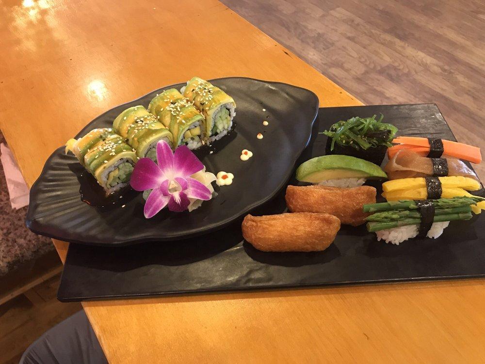 Momiji Sushi & Hibachi: 210 SW 17th St, Pendleton, OR