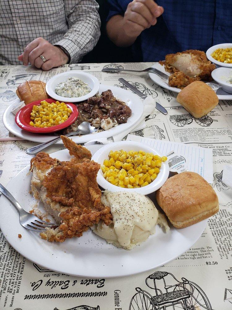 Big Jon's Lunch Box: 123 W 4th St, Mount Carmel, IL