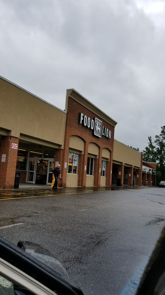 Food Lion: 610 Highway 1 S, Lugoff, SC