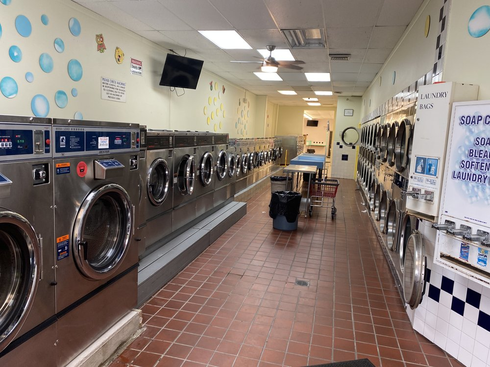 Smileys Laundromat: 709 Bustleton Pike, Feasterville-Trevose, PA