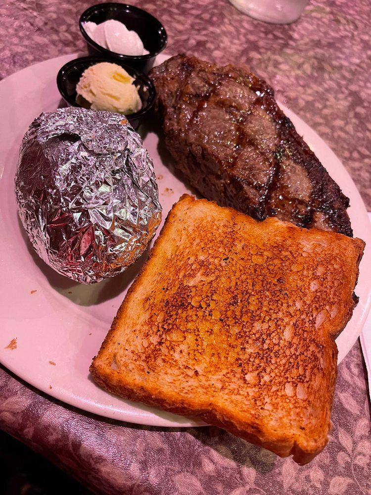 Prime Quarter Steakhouse: 250 Backbone Rd E, Princeton, IL
