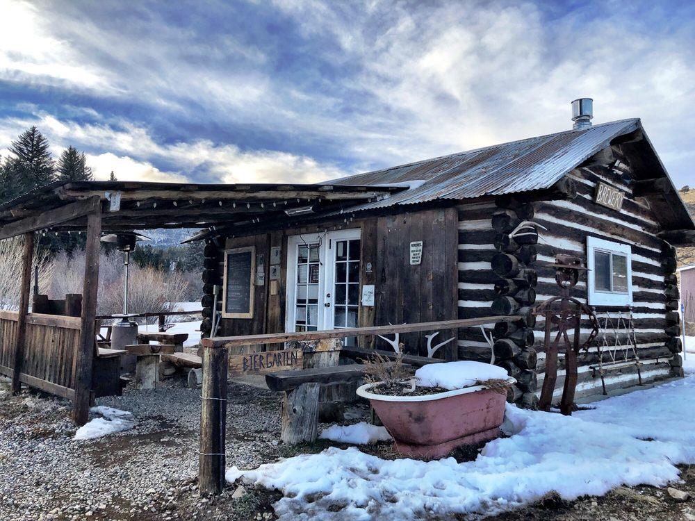 Comanche Creek Brewery: 5 Comanche Creek Rd, Eagle Nest, NM