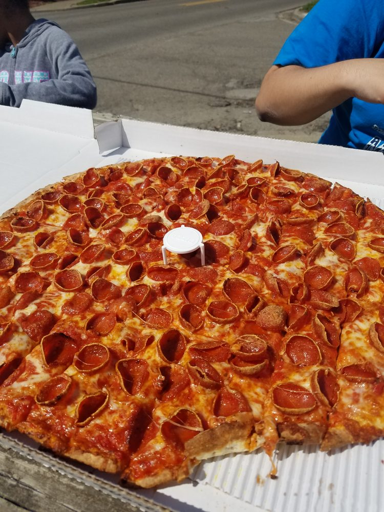Galaxy Pizza: 1201 Woodlawn Ave, Cambridge, OH