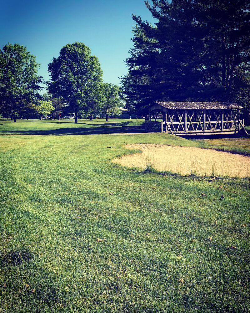 Pebble Wood Country Club: 9794 Jericho Rd, Bridgman, MI