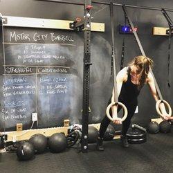 Motor city barbell fitness club 31 billeder tr nere for Motor city pawn shop on 8 mile