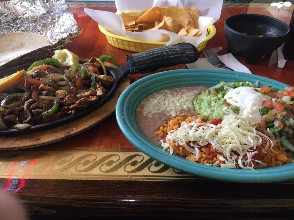 La Isla Mexican Restaurant: 1559 Fort Harrison Rd, Terre Haute, IN