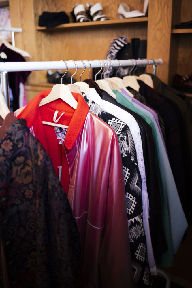 Lolita's Closet and Alterations: 158 Court St, Auburn, ME